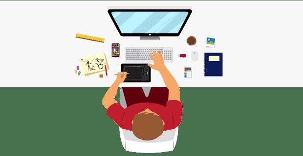 Graphiste travaillant sur ordinateur